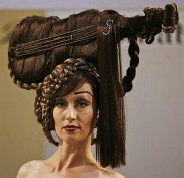 Прикольная причёска на средние волосы